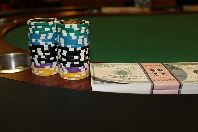 Poker im Online Casino spielen