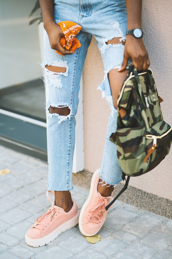 Destroyed Jeans 2021 Trend